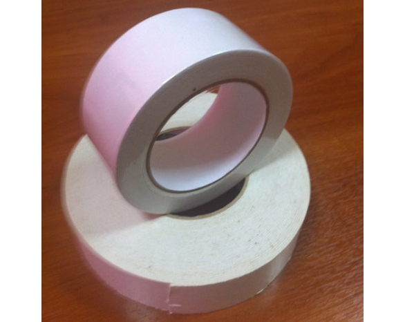 Скотч двухсторонний вспененный 30801WW (12ммх3м), 10 N/25мм \ 65 кг/м², 1мм, -10 +90 С°, каучук -